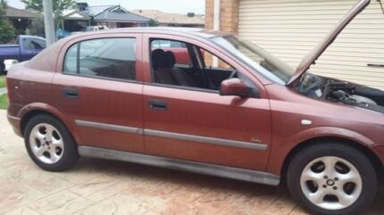 Holden Astra 2001. IT IS FOR PARTS ONLY ,DOES NOT START