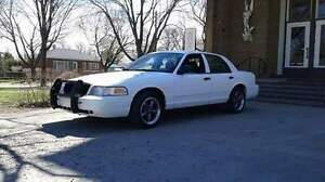 2007 Ford Crown Victoria police pack Berline