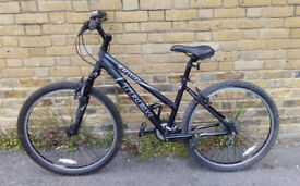 Ladies Black TREK 3900 Mountain Bike In Very Good Condition