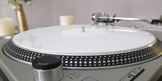 Analogue Studio White Perspex (Acrylic) Turntable Mat