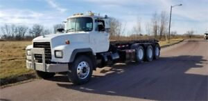 1997 MACK RD688S - Great Condition!
