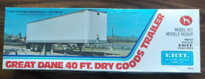 Ertl Great Dane Dry Good trailer model kit 1/25