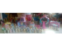 **TATTY TEDDY BARGAIN**bundle of play houses, figures, car and accessories- 88 items - RRP over £250