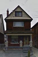 Gr8 home - income potential Central Hamilton