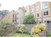 ***LUXURY ONE BEDROOM APARTMENT SET WITHIN A GATED MEWS NEAR BROADWAY MARKET***