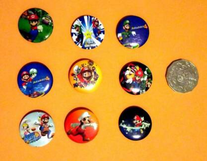 New Super Mario Bros Button Pins Badges Set of 9 - Party Favours