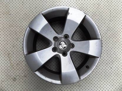 """18"""" HOLDEN COMMODORE 5 SPOKE OEM ALLOY WHEEL (USED) $120 Ferntree Gully Knox Area Preview"""