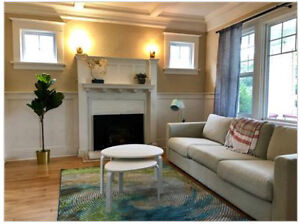 JAN 1st - BEAUTIFUL 5 BEDROOM FURNISHED HOME - INCL UTILITIES!