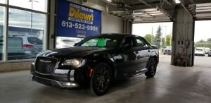 2017 Chrysler 300 S AWD Alloy Edition w/ Navigation, Sunroof
