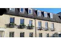 1 bedroom to rent for the Edinburgh Festival in shared furnished flat (Car Parking space)