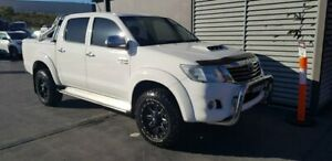 2013 Toyota Hilux KUN26R MY14 SR5 Double Cab White 5 Speed Manual Utility Taylors Beach Port Stephens Area Preview
