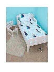 Brand new toddler bed set frozen