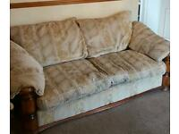 Dralon 3 piece suite in good condition