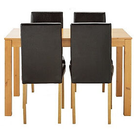 Newton Oak Stain Dining Table & 4 Black Chairs