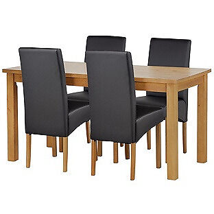 Lincoln Oak Effect 120cm Dining Table and 4 Black Chairs