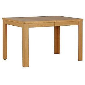 Adaline Oak Effect Extendable Dining Table