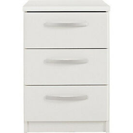 New Hallingford 3 Drawer Bedside Chest - White