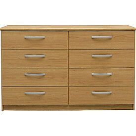 New Hallingford 4+4 Drawer Chest - Oak Effect