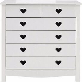 EX DISPLAY WHITE HEART DESIGN CHEST DRAWERS. BARGAIN PRICE. DELIVERY.