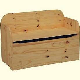 Wooden Bench Storage Box - Pine