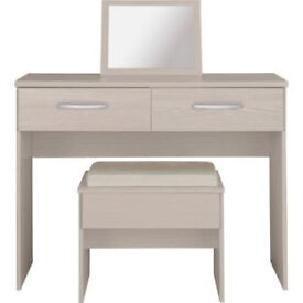New Hallingford Dressing Table and Stool - Light Oak Effect