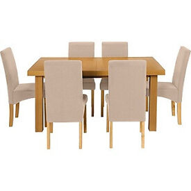 Cosgrove Ext Oak Stain Dining Table and 6 Cream Chairs.