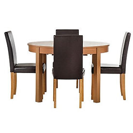 Woodbury Oval Extendable Table & 4 Chocolate Chairs.