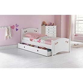 Ex display White Single bed with drawer. Heart design. Bargain price. Delivery available.