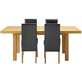 Cosgrove Ext Oak Stain Dining Table & 4 Black Chairs.