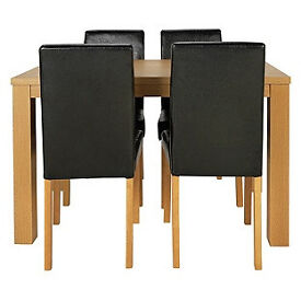 Pemberton Oak Effect Dining Table & 4 Black Chairs.