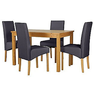 Lincoln Oak Effect 120cm Dining Table and 4 Charcoal Chairs