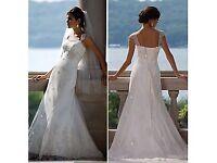 Size 8 stunning designer Essence of Australia off white wedding dress lace BEAUTIFUL STUNNING