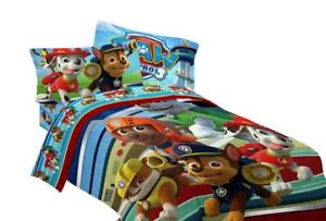 Paw Control Comforter/sheets new conditon