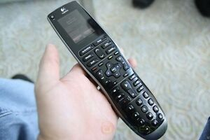 Logitech Harmony 900 RF remote - works through walls