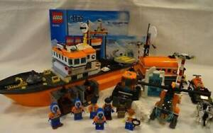 LEGO City 60062 Arctic Icebreaker with minifigures and instructions
