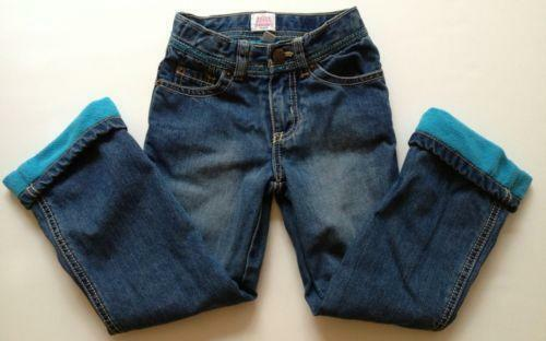 Four Girls' Flannel Lined Jeans Styles Flannel lined jeans come in a variety of styles making it easy to find a pair that your child will enjoy wearing. Some styles are funky, still others are no-nonsense, and even others are girly (and even pink).