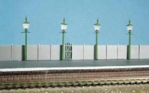 Ratio - 213 - N Gauge Staion/Street Lamps (4 per pack)