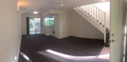 2 Bedroom Town House Resort style with garage and back yard