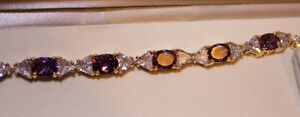 Costume jewellery:  lady's 'purple amethyst-topaz' bracelet Kingston Kingston Area image 2