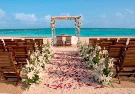 Destination Wedding: Marry Legally in Perth First
