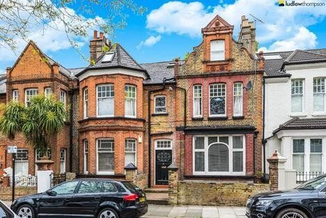 Spacious Period Conversion On Brackley Road