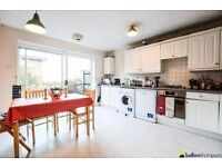 STUNNING FOUR BEDROOM TOWN HOUSE IN FINSBURY PARK
