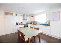 Beautiful Six Bedroom House Close to Brixton Station!! Available soon!!