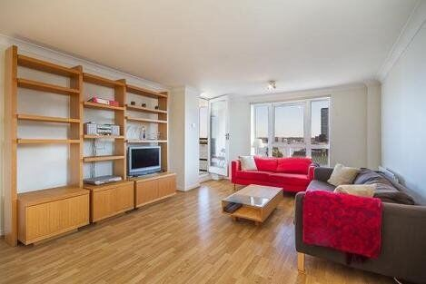 With partial views across the River Thames, spacious two bedroom apartment