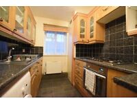 Large one double bedroom property in Camberwell, Located Next to excellent transport links!!