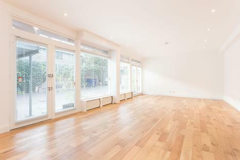 A fully refurbished three double bedroom house set just off Clapham High Street, SW4