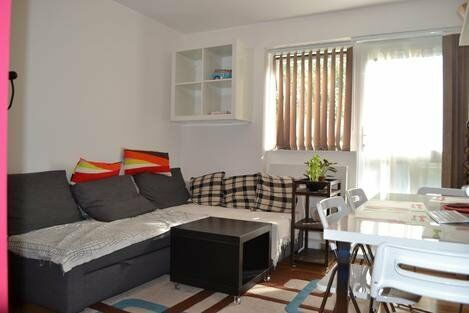 Modern first floor apartment, 2 double bedrooms!!!