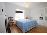 4 bedroom property with private garden near Stockwell