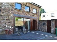 ~~~Spectacular Two Double Bedroom Barn Conversion Located in a Private Courtyard~~~