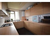 5 bedroom flat located very close to kilburn high road